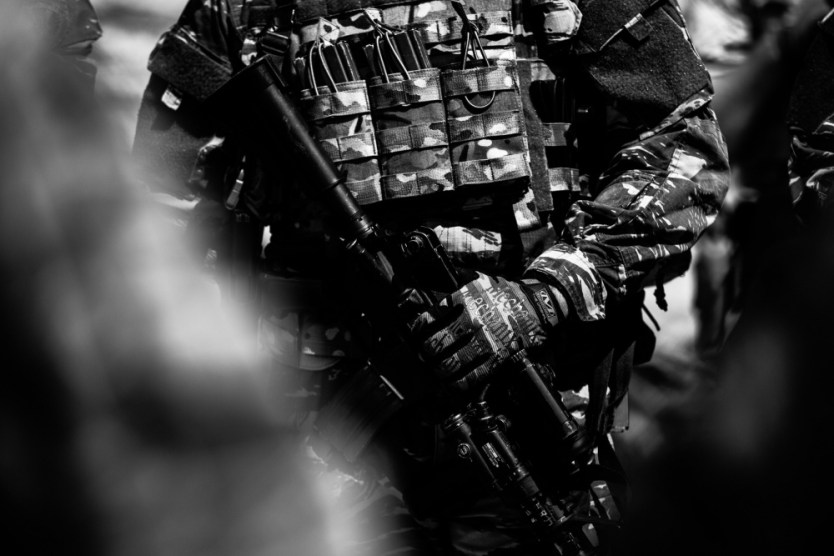Loadout Room photo of the day | Navy Seals train with Greek SOF