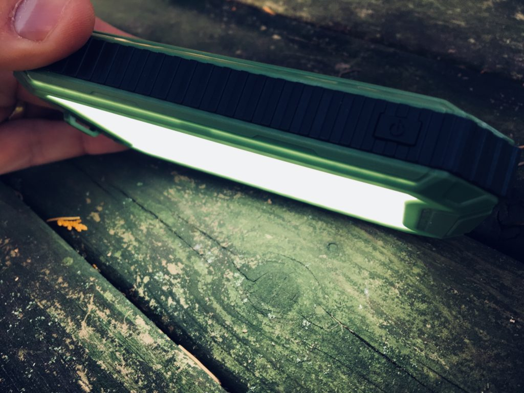 PowerGreen 10000 mAh solar charger/power bank