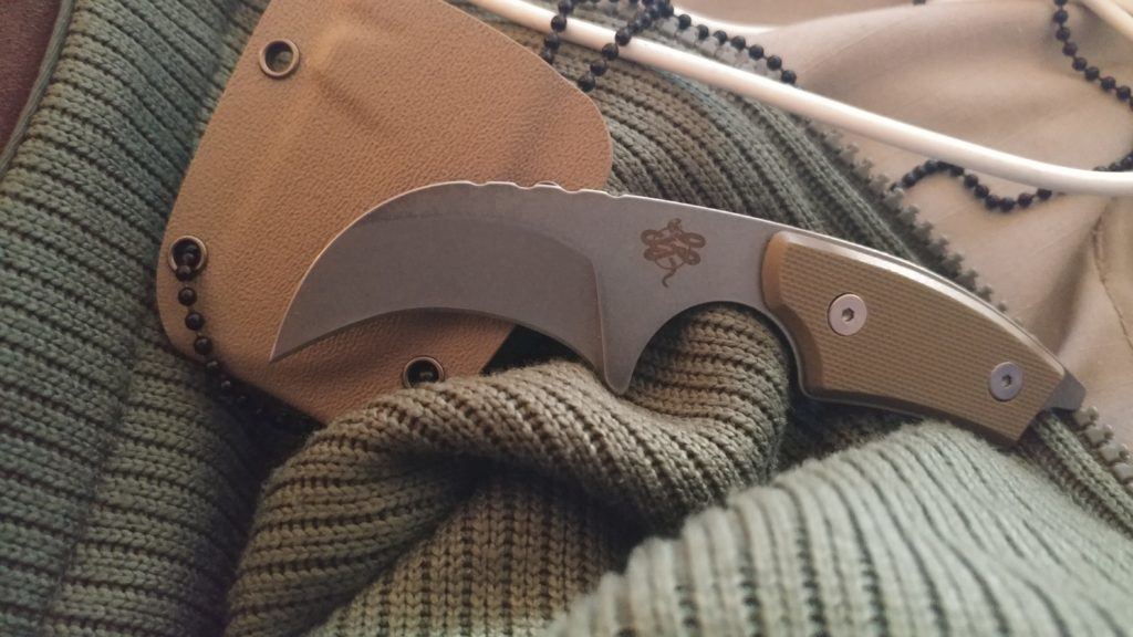 Crate Club Neck Knife - A Discrete Slasher