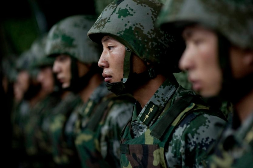 "China unveils laser ""assault rifle"" that can set your clothes on fire from 800 meters"