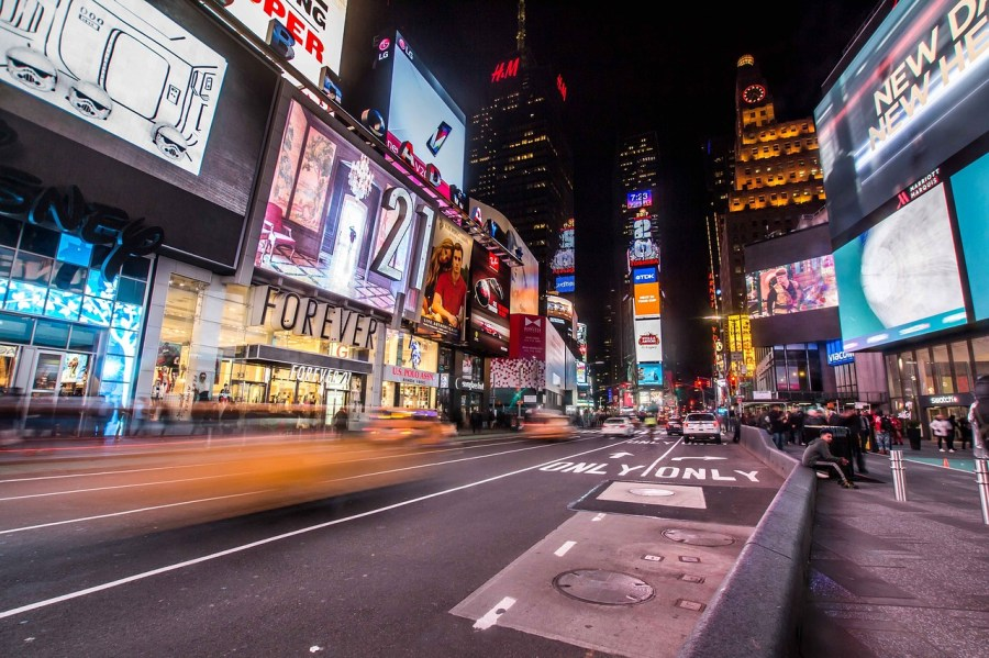 times-square-2590853_1280