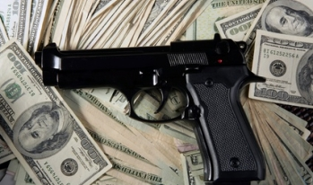 Firearm Finance Company Offers Gun Loans to Police
