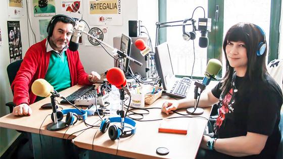 Carlos Lamm y Lydia Na en los estudios de Artegalia Radio. Foto: María del Mar Martínez