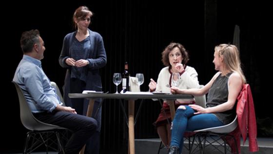 """""""Los Universos Paralelos"""" llega al Teatro Chapí de Villena para hablarnos de ese dolor sin nombre"""