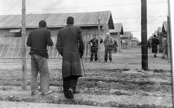 """Fotos Exposición """"Españoles en Bram. La vida en el campo de refugiados a través de la fotografías de Agustí Centelles"""""""