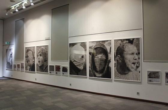 """Los rostros en la muestra """"Principia"""". Foto: Roberto López"""