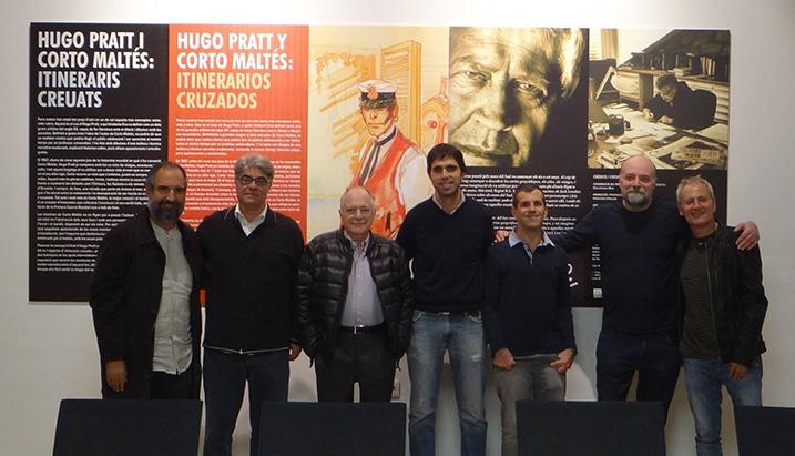 """Paco Linares Micó con el equipo de la exposición """"Hugo Pratt y Corto Maltés Itinerarios cruzados"""""""