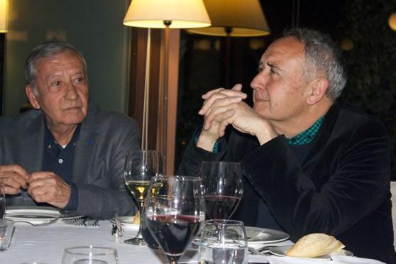 Vicente Molina Foix y Vicente Pérez, amigo personal del autor quien hizo la presentación