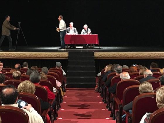 """Escenario del Gran Teatro de Elche durante el Ciclo """"La dignidad de la palabra"""""""