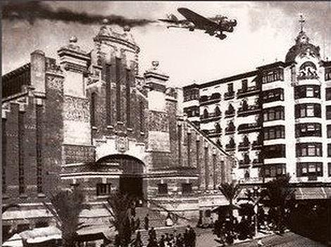 Foto Bombardeo del Mercado Central de Alicante