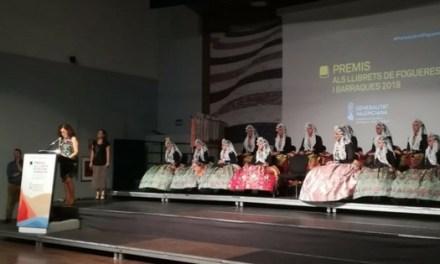 La Generalitat y el Ayuntamiento de Alicante apuestan por la promoción del valenciano en los llibrets de Hogueras y Barracas