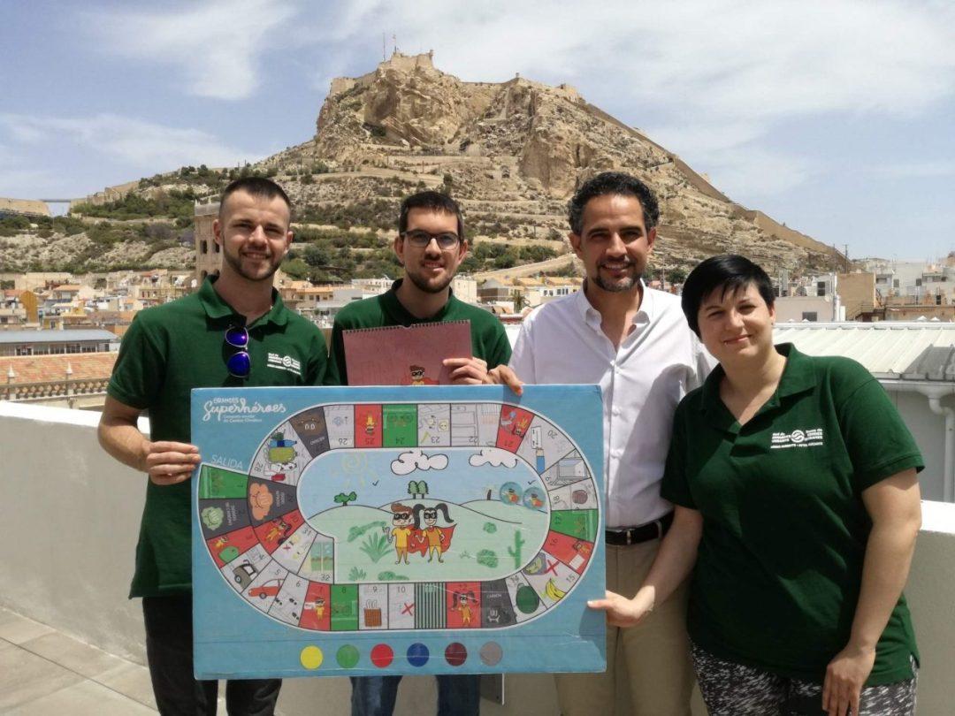 """Campaña Escolar Cambio Climático  """"Grandes Superhéroes"""". Foto: Gabinete Prensa Ayto. Alicante"""