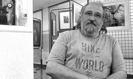 Rafael Buisán en la exposición que descubre sus tiempos que parecían escondidos y que son tan esenciales