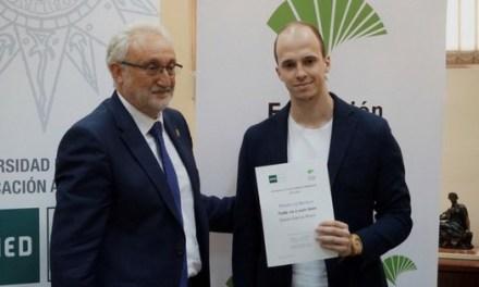 La novela del estudiante de la UA, David García, Todo va a salir bien, se impone en los III Premios Literarios «María Zambrano» de la UNED Málaga