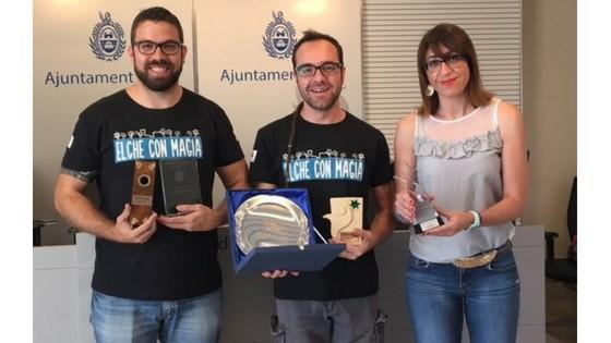 Los ilicitanos Manolo Costa y Mindanguillo representarán a Europa en el Mundial de Mágia Cómica