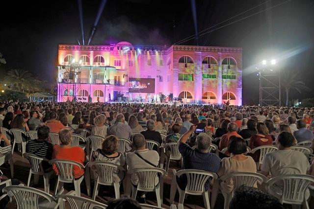 Público asistente Gala Inaugural. Foto: Gabinete Prensa. Ayto. Alfàs del Pi