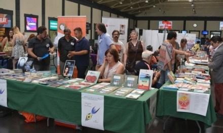 Els-les escriptors i escriptores d'Alacant ixen a la recerca de lectors viatgers
