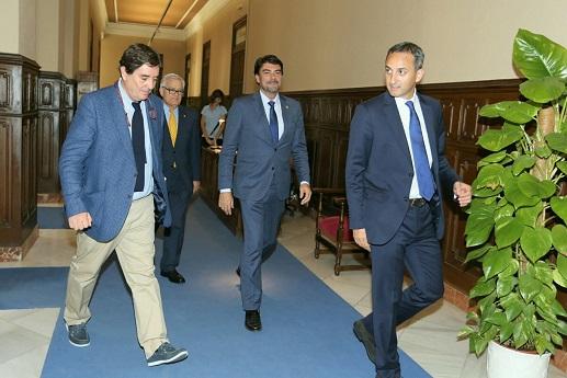 Luis García Montero, Luis Barcala y César Sánchez. Foto: Gabinete Prensa. Ayto. Alicante