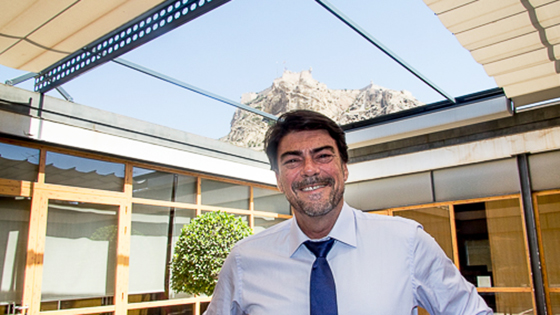 Alcaldes-Alcaldesses culturals: Luis Barcala, Alcalde d'Alacant