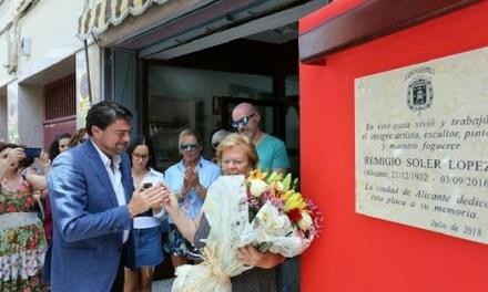 Alicante rinde homenaje al artista Remigio Soler en la que fuera su casa en Benalúa