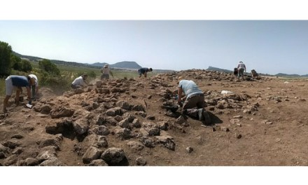 Un equip d'arqueòlegs-es de la Universitat d'Alacant són els primers a excavar a Gorgociles del Escabezado, a Jumilla