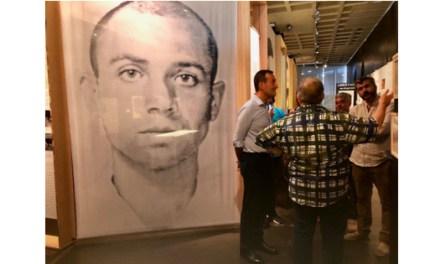 La exposición sobre el legado de Miguel Hernández recibe 3.000 visitas tras mes y medio en el MAHE