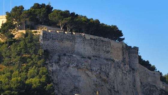 Cultura de Dénia proposa l'experiència de visitar el castell a l'hora del crepuscle
