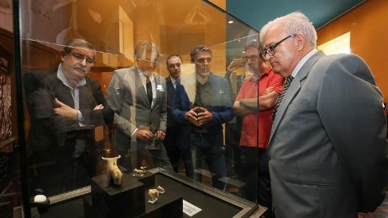 El MARQ exposa per primera vegada les figurilles de toros de l'Edat del Bronze trobades en el jaciment callosí del Castell