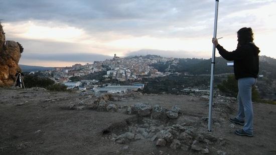 Las investigaciones del INAPH de la Universidad de Alicante en la Serrella de Banyeres de Mariola documentan una ocupación milenaria de la Prehistoria al Medievo