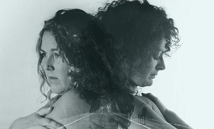 El Auditori Teulada Moraira acull l'estrena de Trobadores, un projecte de Teatreres pel Món