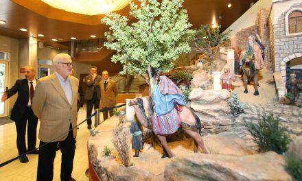 Los Belenistas inauguran el belén del Aula de Cultura de Alicante de la Fundación Caja Mediterráneo