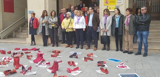 Zapatos rojos contra la violencia hacia las mujeres