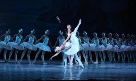 El Lago de los Cisnes inaugura la navidad en el Gran Teatro