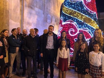 El encendido del alumbrado da inicio a las fiestas navideñas en Elche