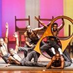 """Circo y Acrobacias con """"The Black Blues Brothers"""" en el Teatro Chapí de Villena"""