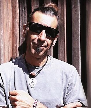 Les Cançons Frustrades de Javi Chispes arriben a Alacant
