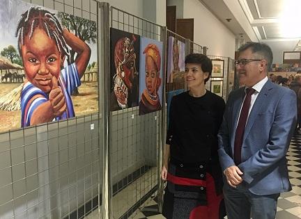La Diputació d'Alacant s'involucra en una mostra solidària que persegueix recaptar fons per a projectes sociosanitaris a Togo