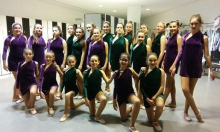 Les alumnes de dansa clàssica de la Casa de Cultura de Sant Joan en el ADDA per una causa solidària