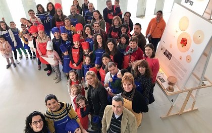 L'Auditori Teulada Moraira acomiada l'exposició Disseny al Plat amb una participativa mostra de tallers artesanals