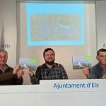 El Ayuntamiento de Elche colabora en la edición de un libro que destaca el valor ambiental de Carrizales