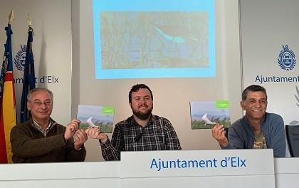 """L'Ajuntament d'Elx col·labora en l'edició d'un llibre que destaca el valor ambiental de """"Carrizales"""""""