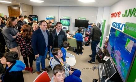 Abre las puertas el Centre juvenil de Finestrat en una jornada multitudinaria