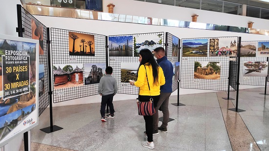 La mostra fotogràfica '30 països x 30 mirades' de Vicente Roig arriba a l'Aljub d'Elx