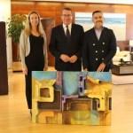 El pintor Jorge Velasco dona una de sus obras a la Alcaldía de Benidorm