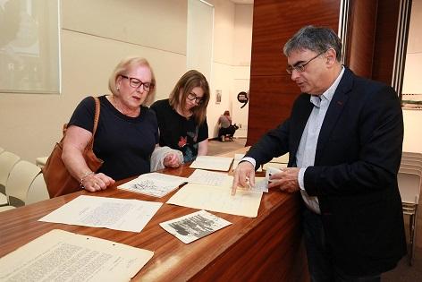 La familia de Rafael Azuar dona la biblioteca y el archivo del escritor al Instituto de Cultura Juan Gil-Albert