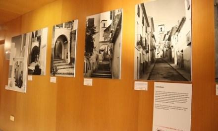 L'exposició del fotògraf local Simeón Nogueroles es trasllada ara a la Biblioteca Municipal