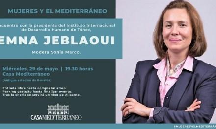 Emna Jeblaoui expone en Casa Mediterráneo su visión sobre el papel de la mujer en las sociedades árabes
