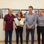 La ilustradora y caricaturista colombiana Elena Ospina recibe el premio Notario del Humor de la UA