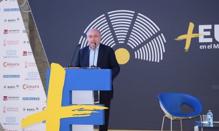 Joaquín Almunia expone sus impresiones sobre el nuevo Parlamento Europeo en Casa Mediterráneo