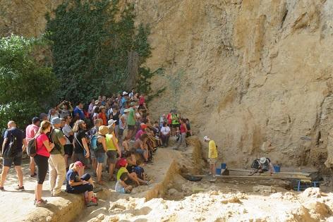 Cerca de 250 personas participan en la jornada de puertas abiertas a las excavaciones arqueológicas del Salt
